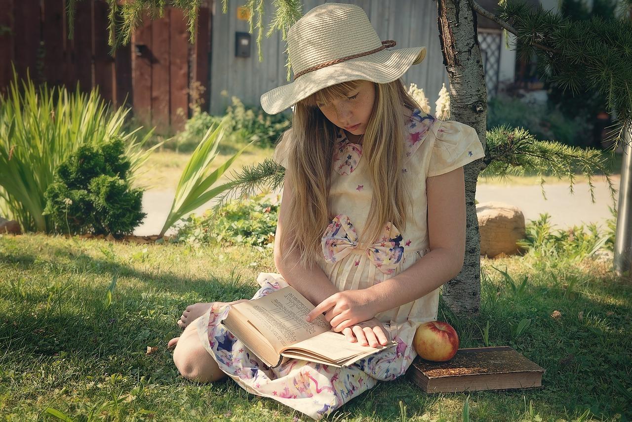 Child reading image